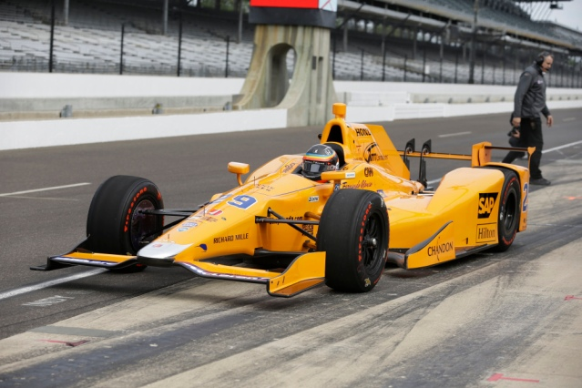 AP INDYCAR ALONSO AUTO RACING S CAR USA IN